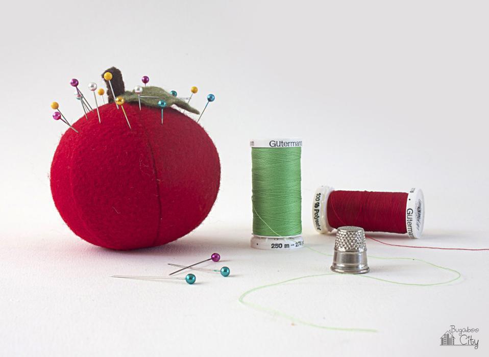 5 Apple Pincushions