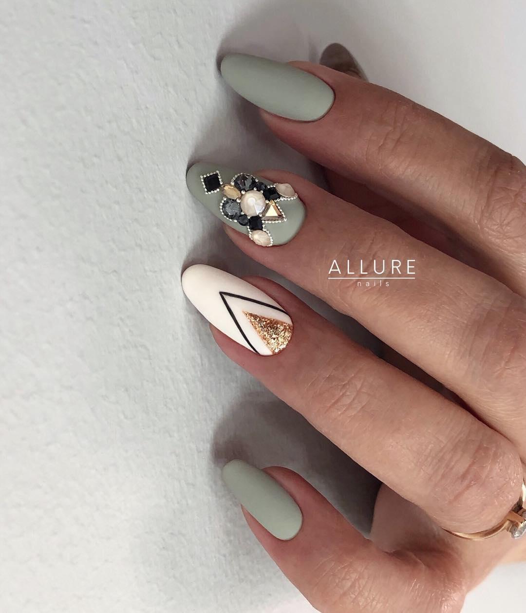 5 Matte Almond Shaped Nail Designs