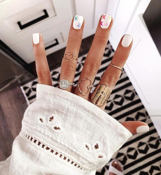 5 Short Gel Nail Designs