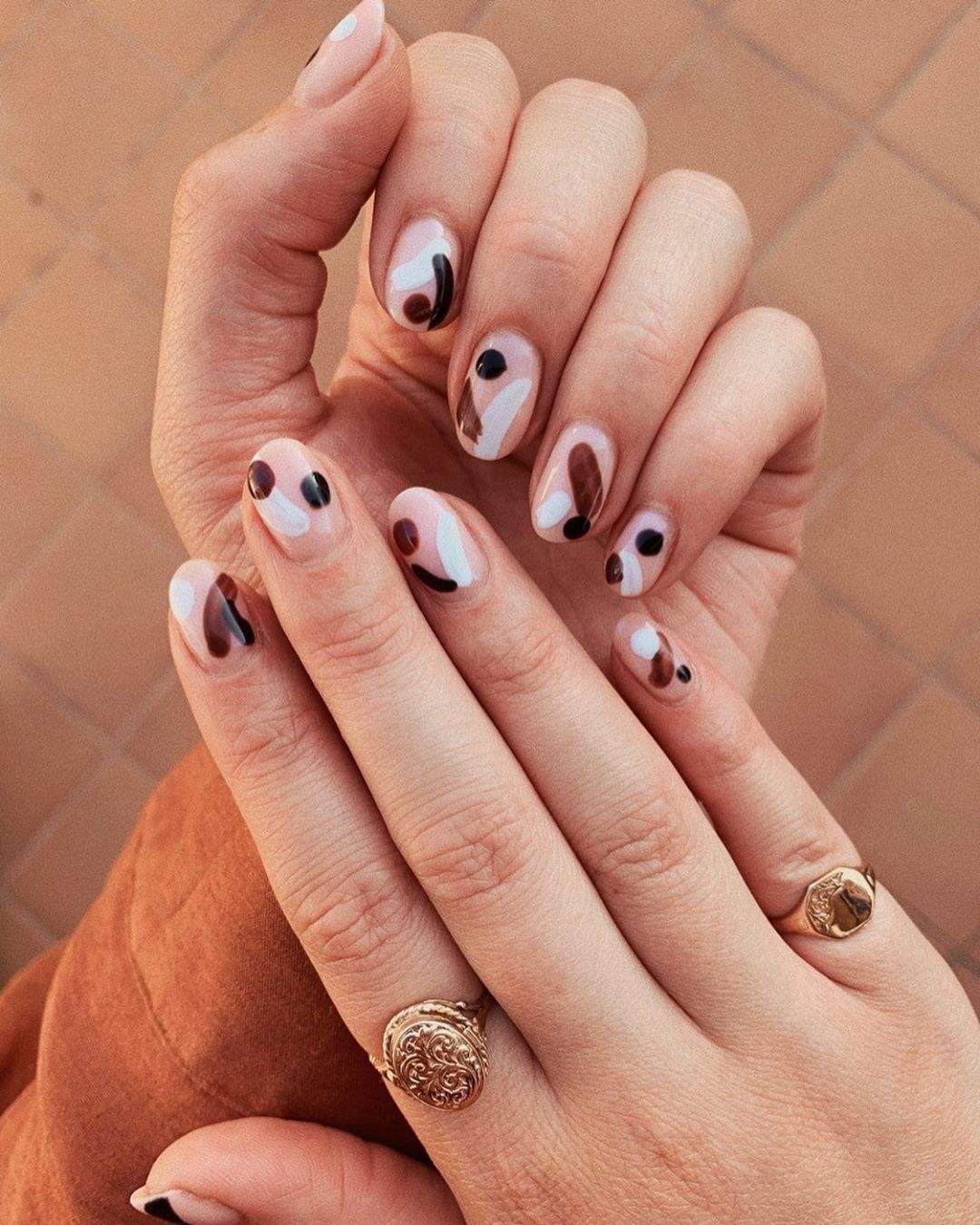 6 Short Gel Nail Designs