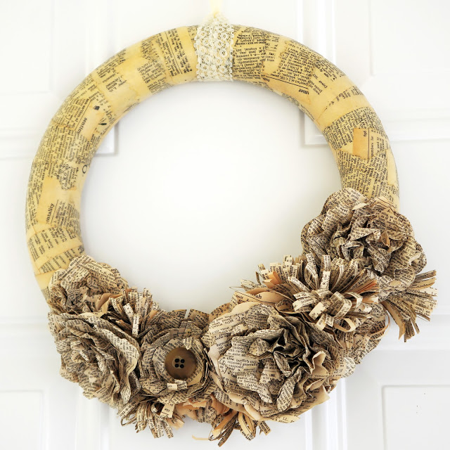 7 Dictionary Page Wreath