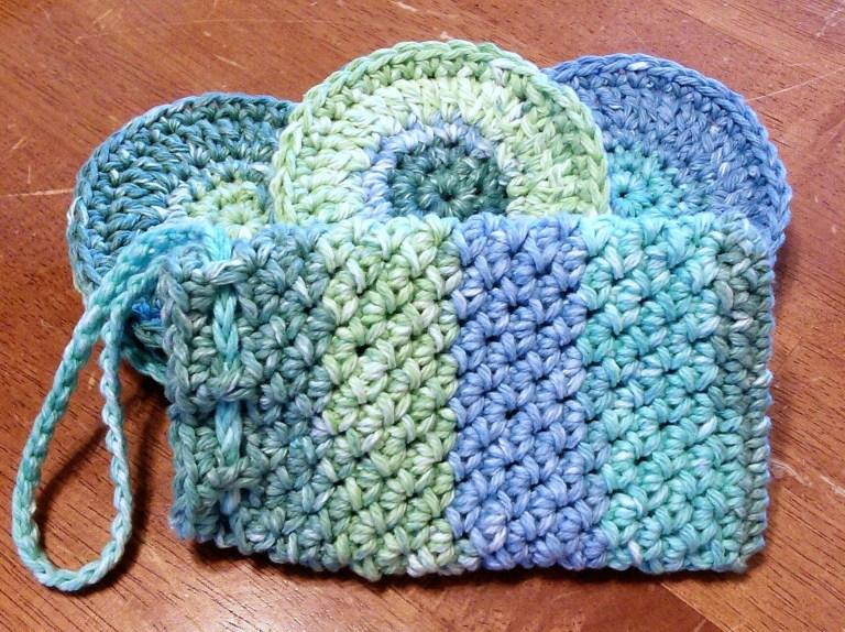 8 Face Scrubbies and Soap Pouch Spa Set
