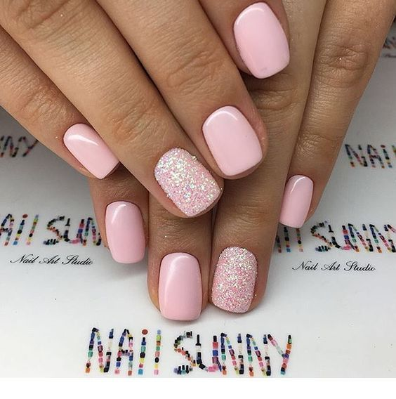 8 Short Gel Nail Designs