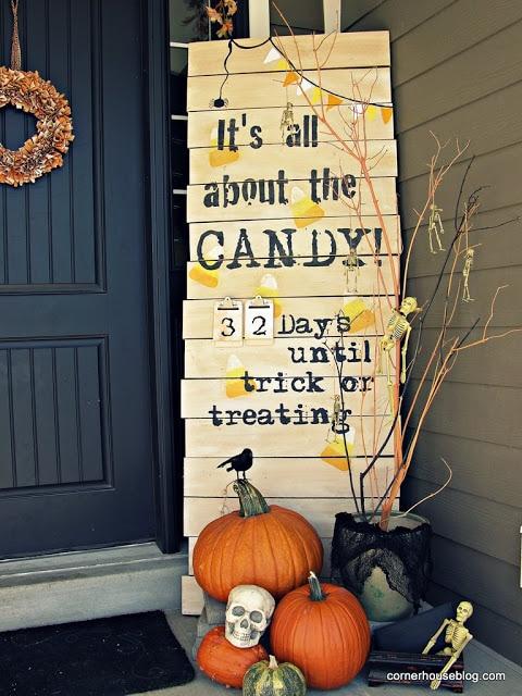11 Countdown to Halloween Outdoor Decor