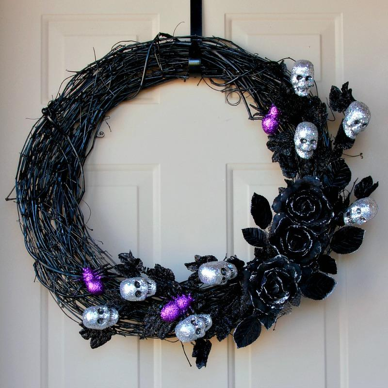 14 Ghoulish Glam Halloween Wreath