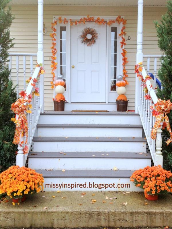 20 Fall Leaves Porch Idea