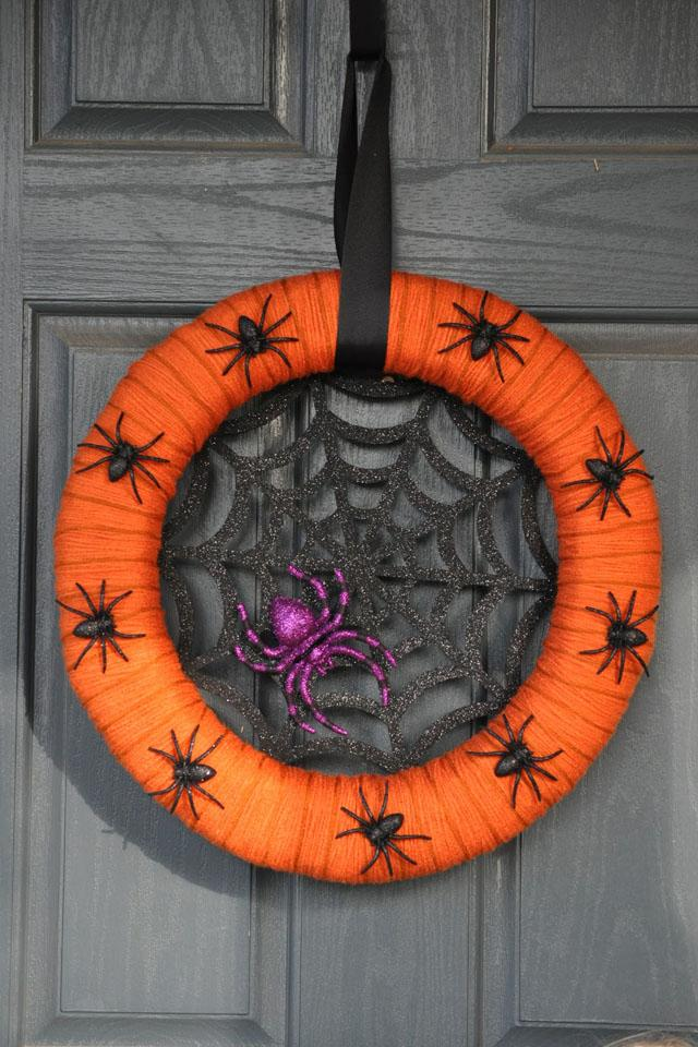 24 Orange Yarn and Spiders Wreath
