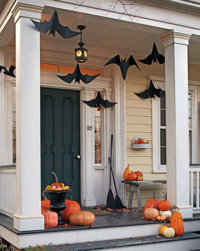 3 Hanging Bats