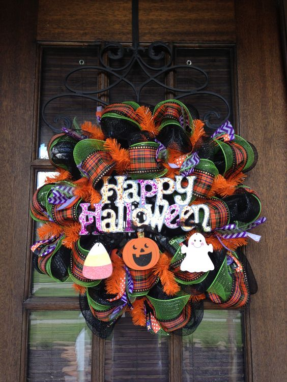 32 Happy Halloween DIY Wreath