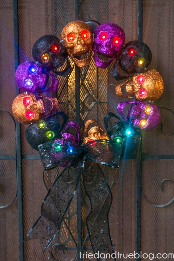 37 Dollar Store Halloween Skull Wreath