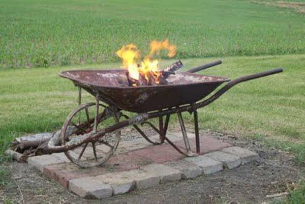 5 Metal Wheelbarrow Fire Pit