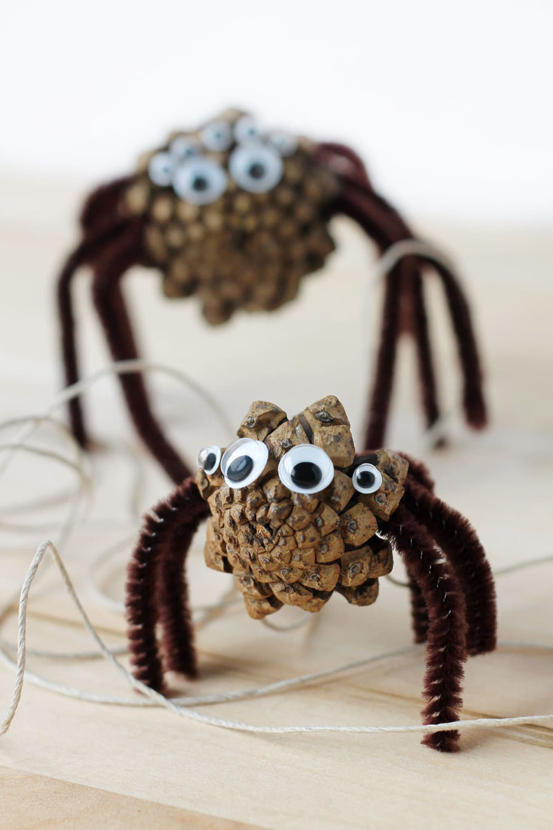 15 Great Diy Pine Cone Crafts For Halloween Foliver Blog