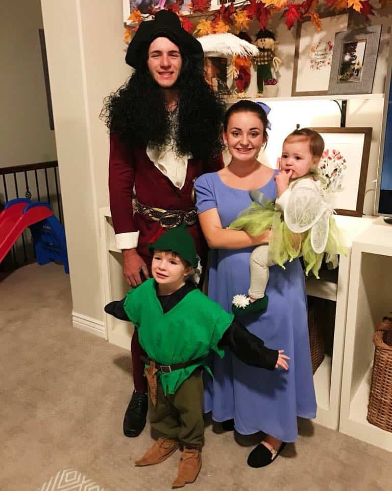 13 Peter Pan Family Costumes