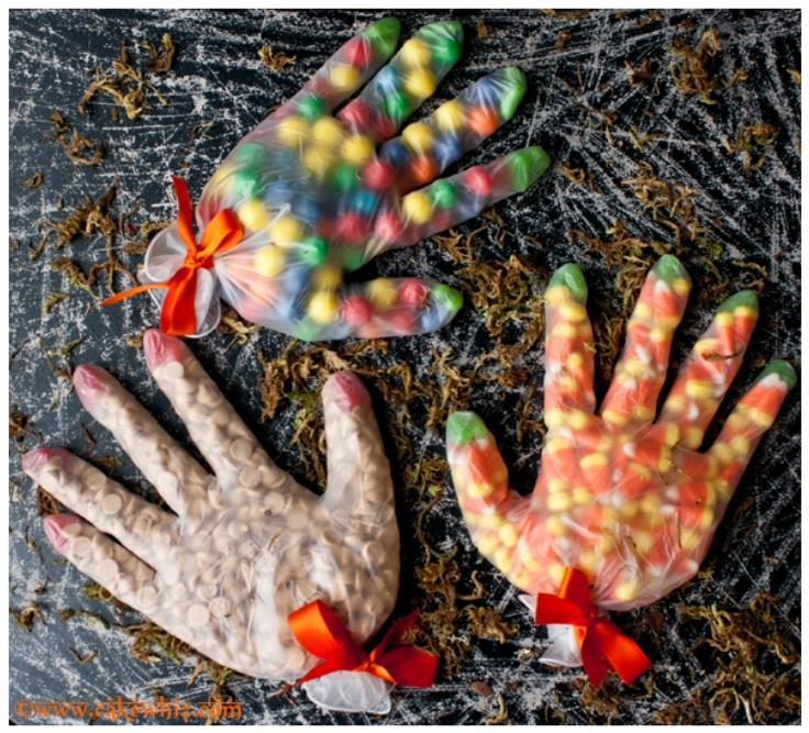 19 Halloween Glove Treat Bags