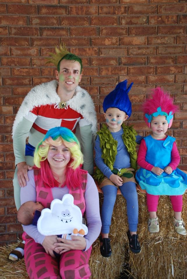 20 Trolls Family Costumes