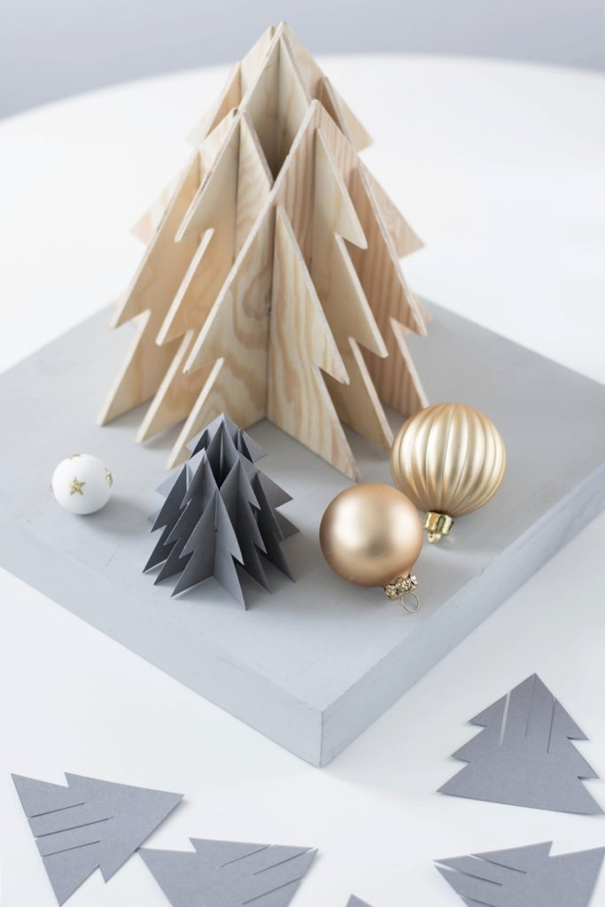 24 3D Christmas Tree