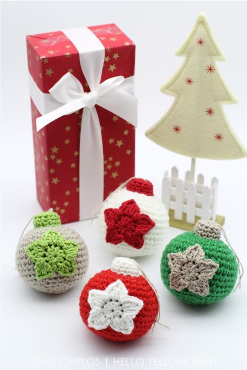 10 Crochet Christmas Baubles