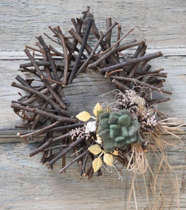 19 Succulent Twig Wreath