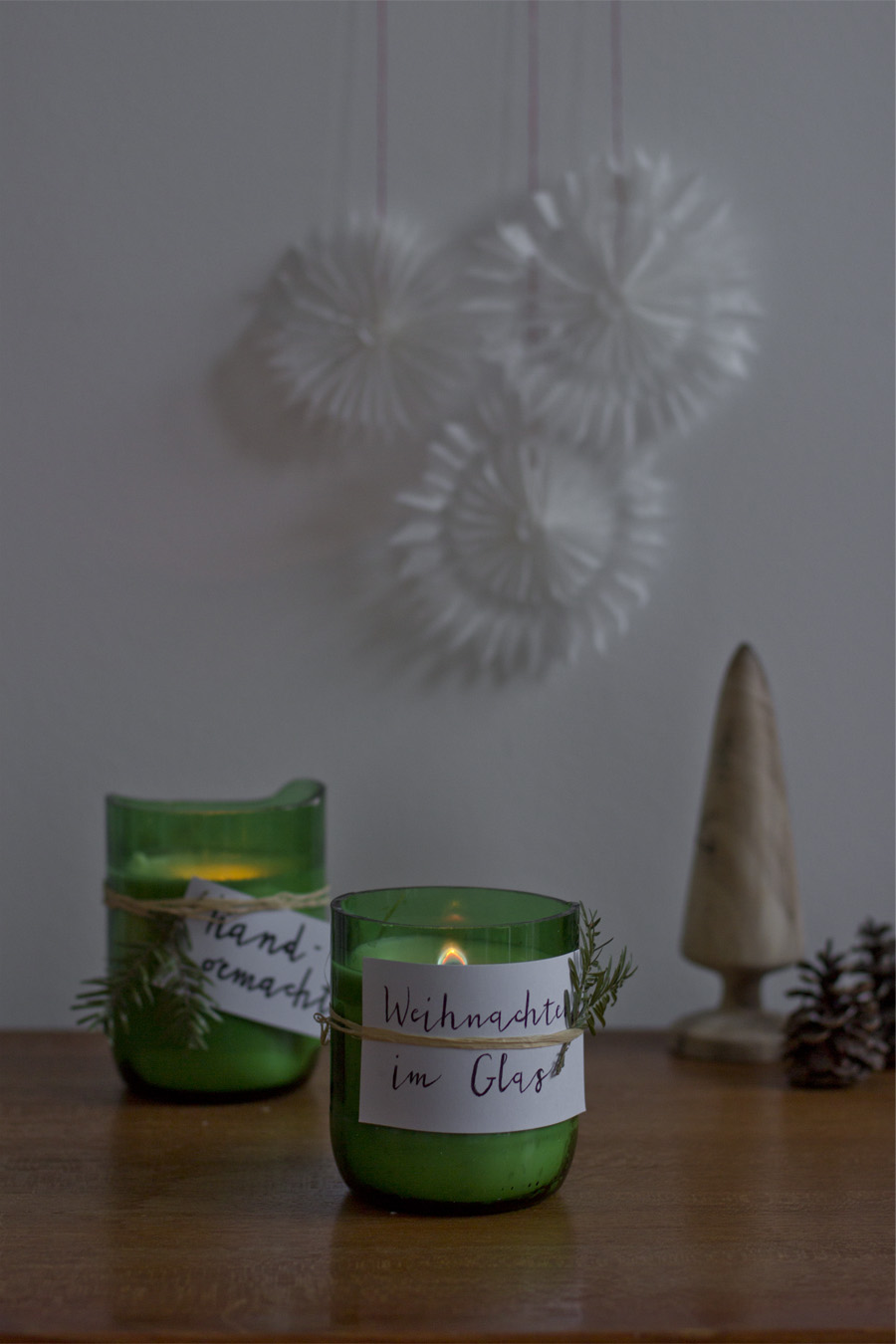 22 DIY SCENTED CANDLES