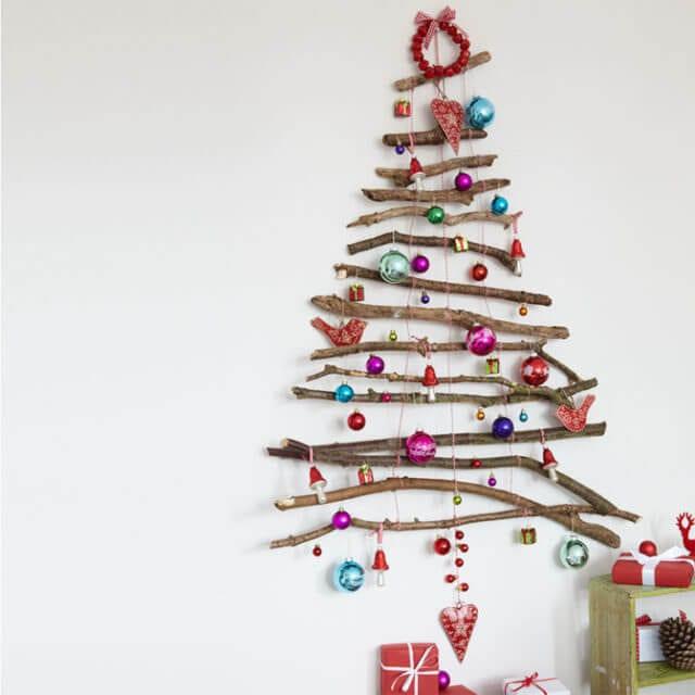 22 Twig Wall Christmas Tree