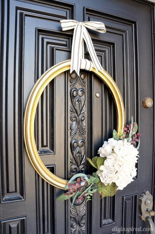28 Thrift Store Frame Wreath