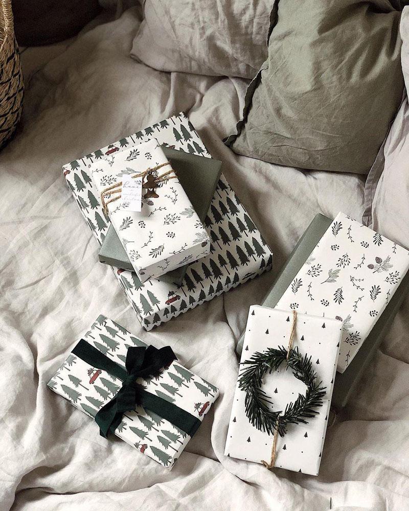 8 Christmas Gift Wrapping