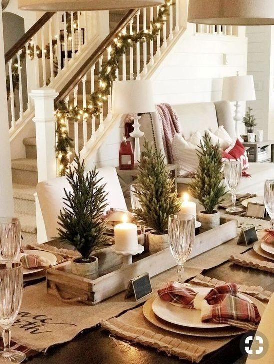 1 Christmas Table Centerpieces