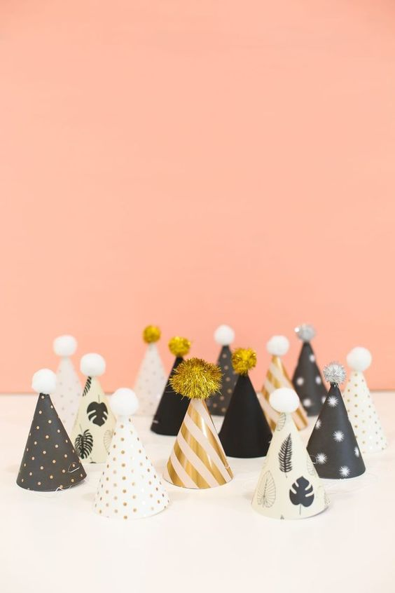 3 Free Party Hats to Decorate on New Years Eve