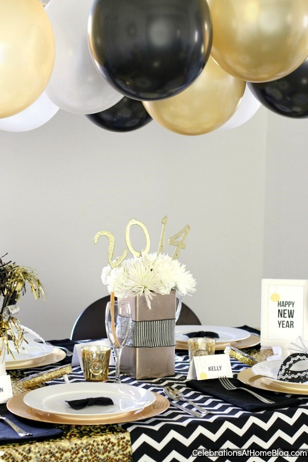 6 NEW YEARS EVE GOLDEN GLAM DINNER PARTY