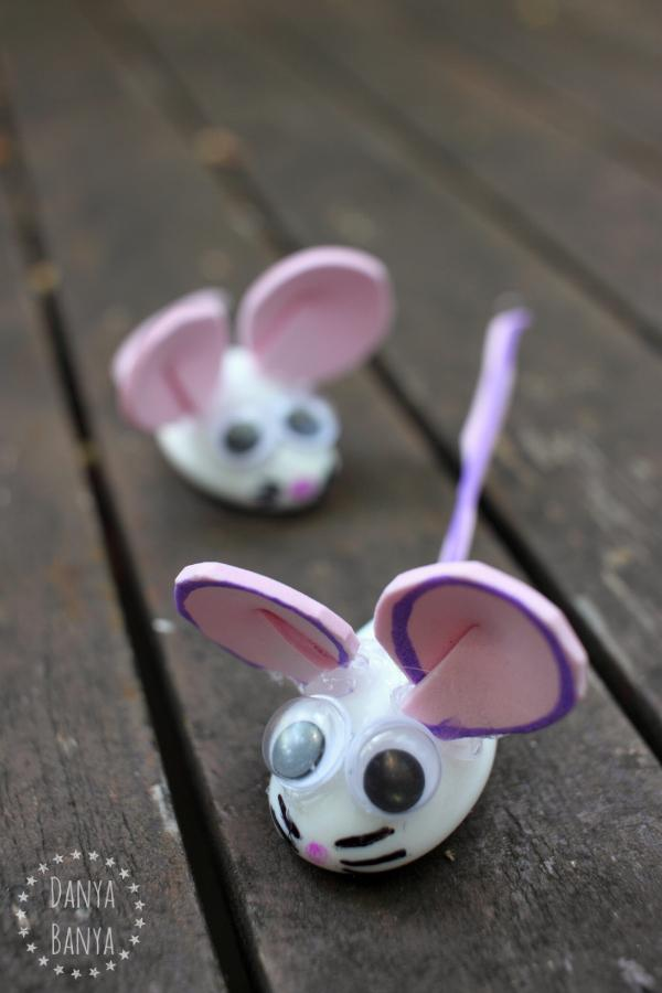14 Pebble Mice