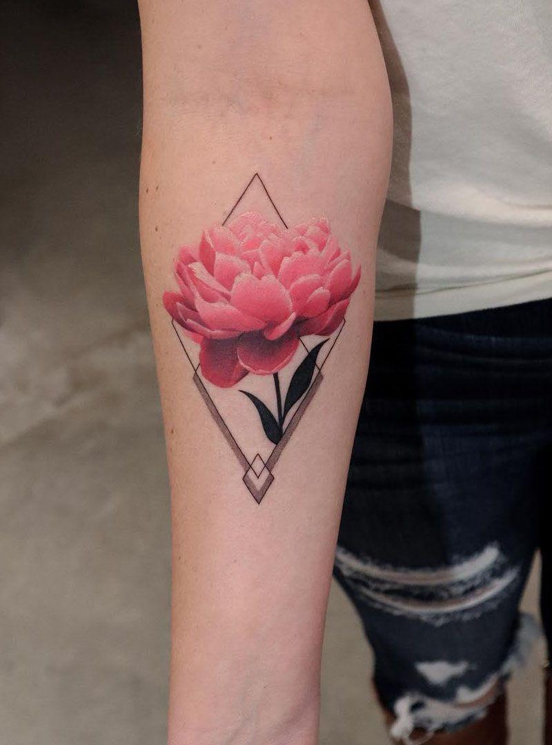 30 Pretty Geometric Tattoos You Can Copy