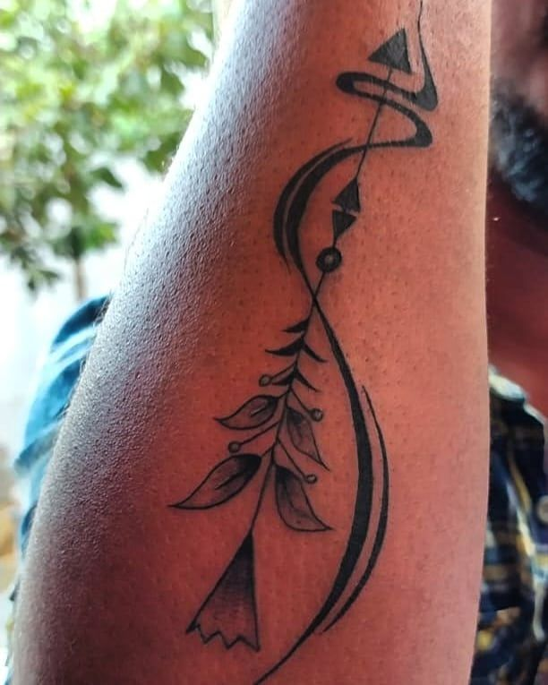 30 Pretty Arrow Tattoos to Inspire You