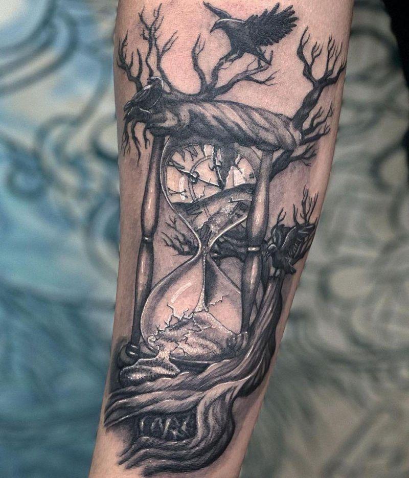 30 Pretty Hourglass Tattoos You Will Love
