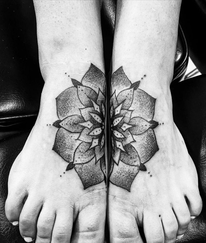 30 Elegant Foot Tattoos You Must Try