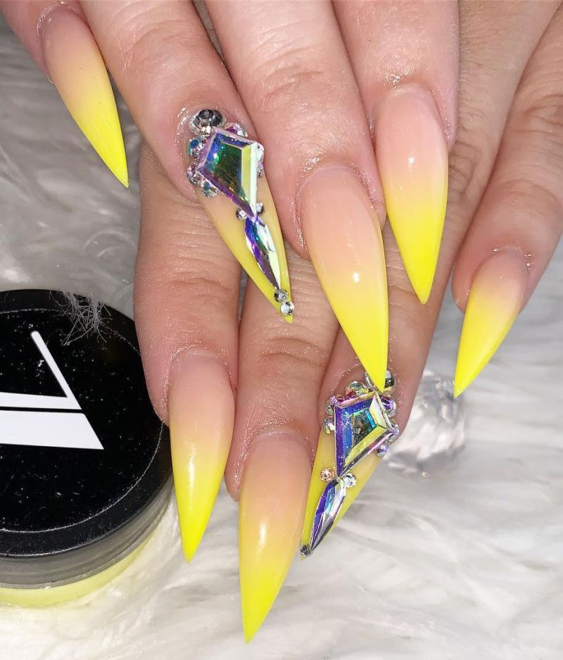 30 Pretty Yellow Nails You Can Copy