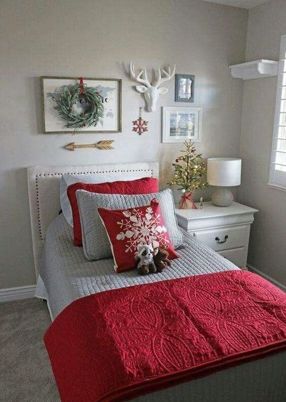 40 Festive Christmas Bedroom Decorating Ideas Foliver Blog